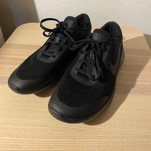 New black nikes (worn once)